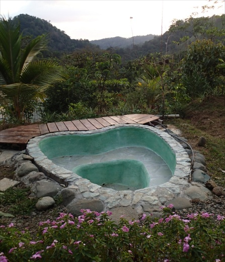 Heart shaped mini-pool, wr had a fire-powered hottub party in this one night....