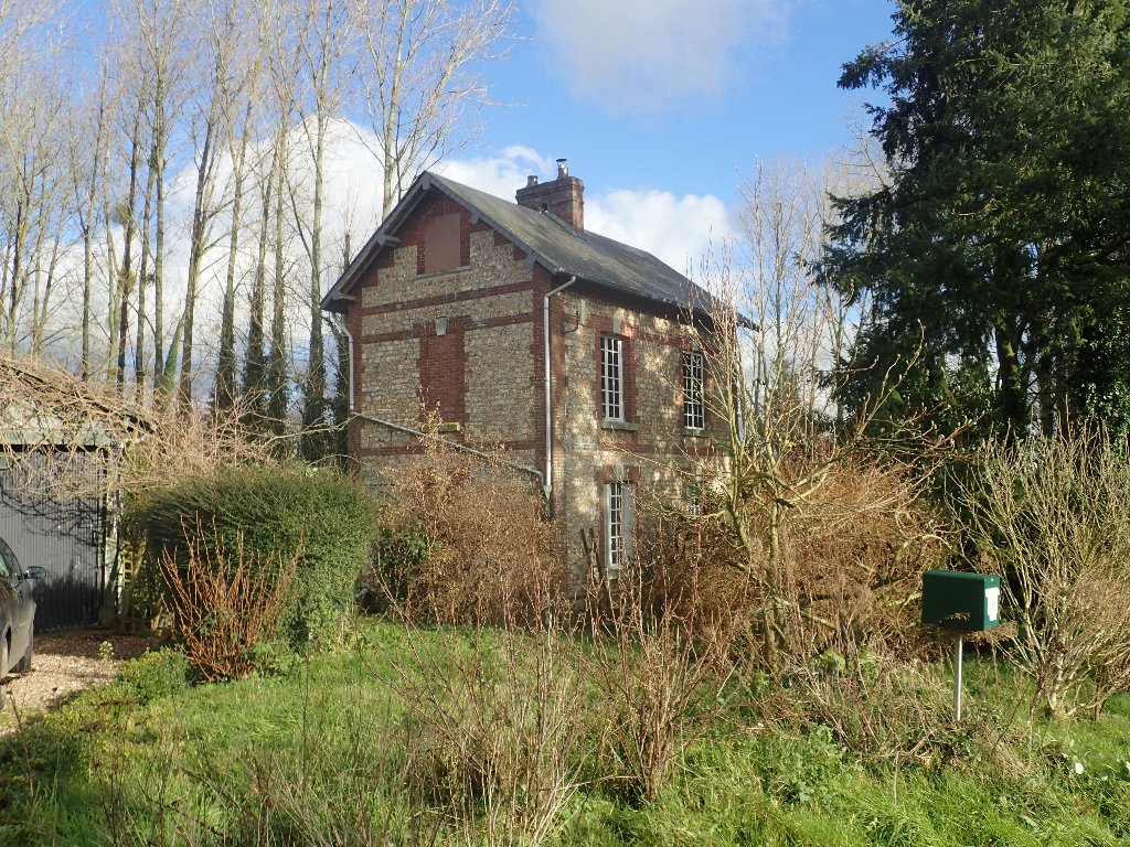 One of the attached cottages