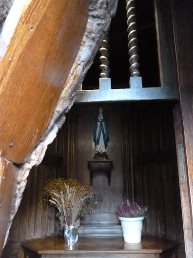 AB Chapel Detail